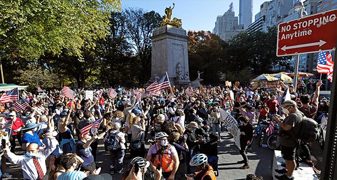 ABD'de Biden destekçileri sokaklara döküldü