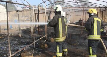 Halep'te bir mülteci kampında yangın: 1 ölü