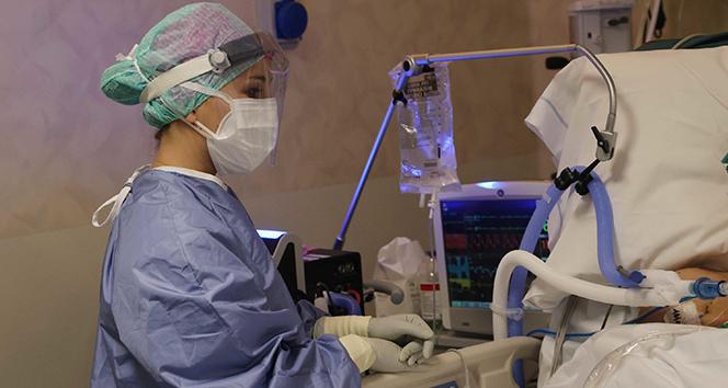 İtalya'da son 24 saatte 25 bin 853 yeni korona virüs vakası