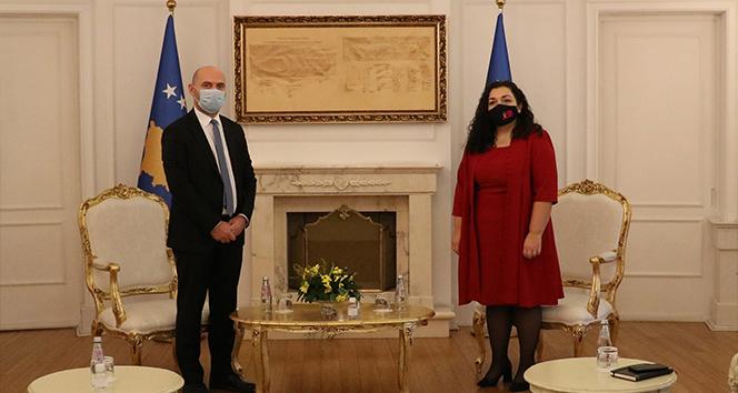 Kosova'da Cumhurbaşkanlığı görevini Meclis Başkanı Osmani devraldı